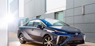 обзор Toyota Mirai FCV 2015